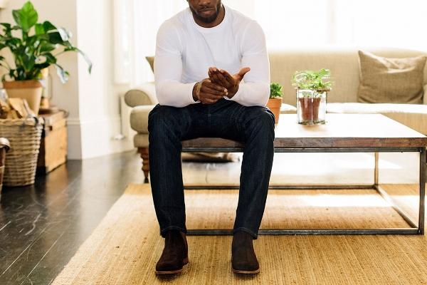 kết hợp áo thun tay dài nam với quần jean