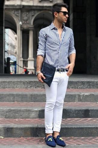chọn quần áo kết hợp với giày màu xanh navy